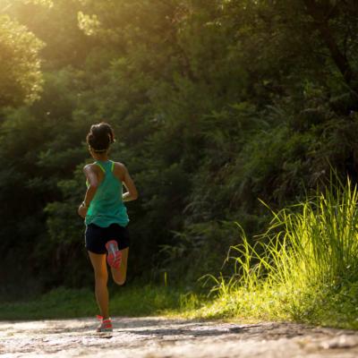 ¿Se pueden definir los abdominales practicando running? 6